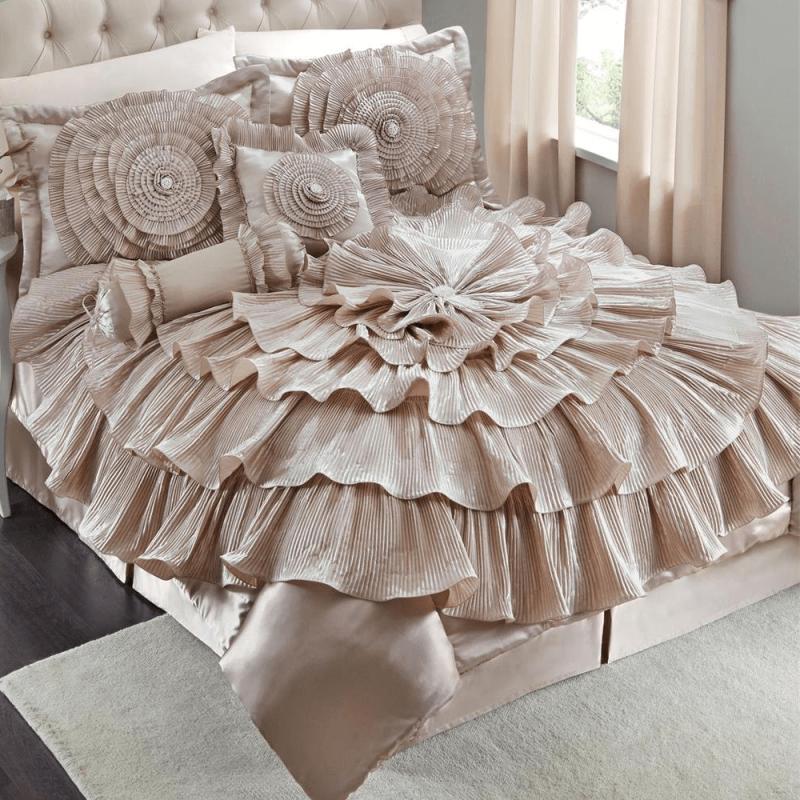 Romance Bed Comforter Set