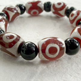 Dzi happiness bead bracelet
