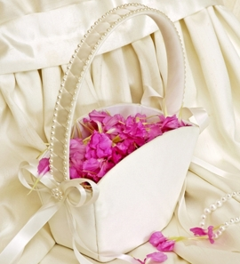 Flower Girl Tote Basket in Ivory or White