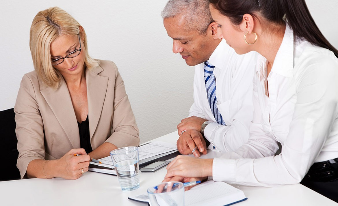 Business consultatant advising business people in the meeting