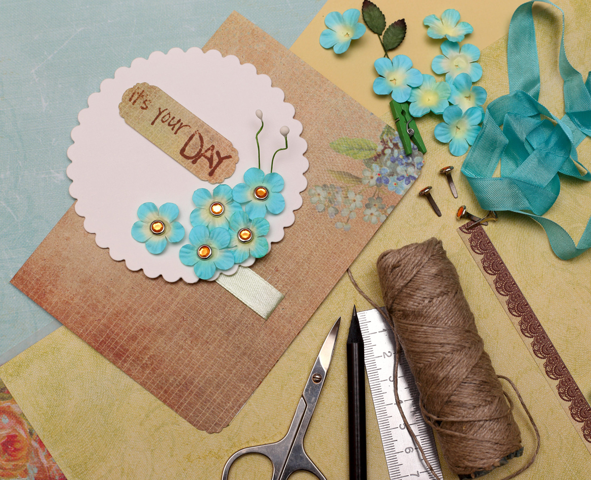 Instruments, tips and tricks for scrapbooking and other papercraft