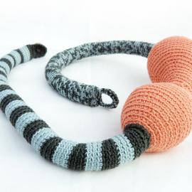 Crochet necklace - The boa friend