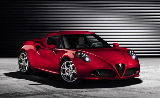 Alfa-Romeo-4C-2014-widescreen-01