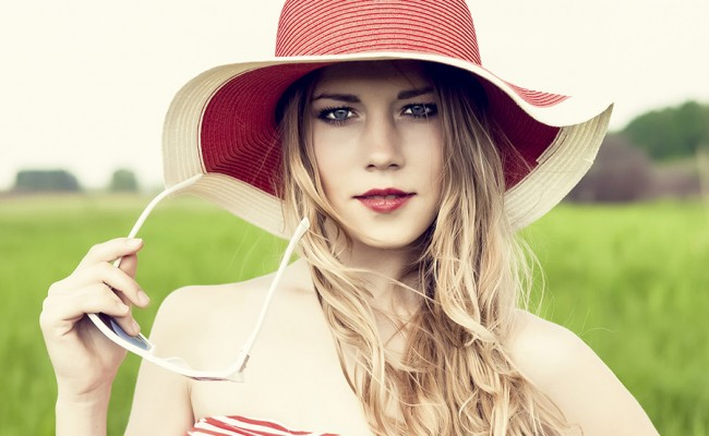 portrait of a sensual girl in the hat